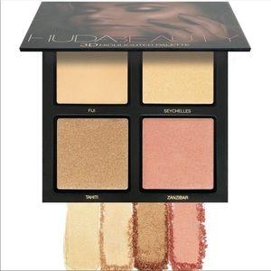 Iso gold sands Huda beauty 3D highlighter palette